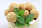 Banh Ran – süß gefüllte Sesambällchen