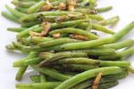 Gebratene grüne Bohnen mit Knoblauch